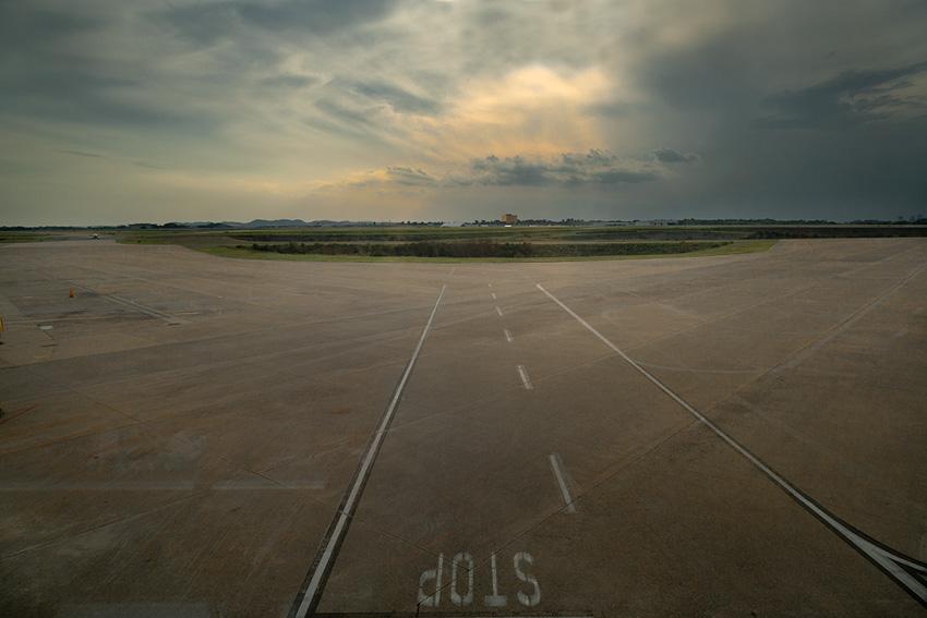 Nashville Airport by Rich Lewis