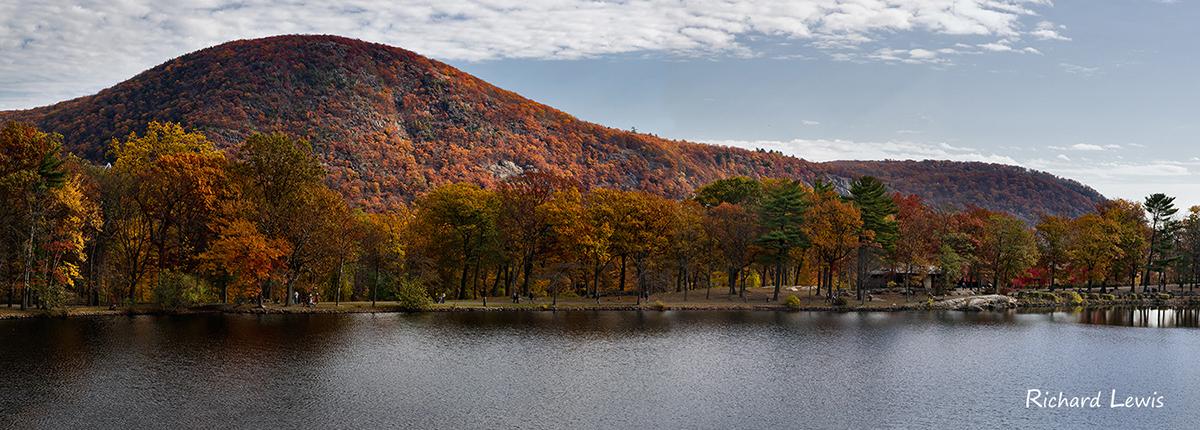 Hessian Lake at Bear Mountain Lodge