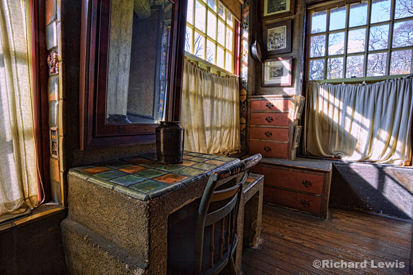 Fonthill Room 1 by Richard Lewis