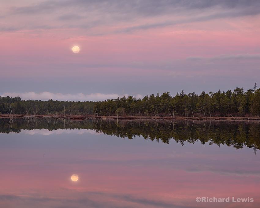 Full Moon on Chatsworth Lake by Richard Lewis