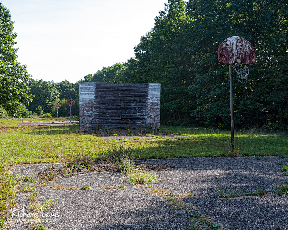 Basketball Courts at Cejwin Camps by Ricard Lewis